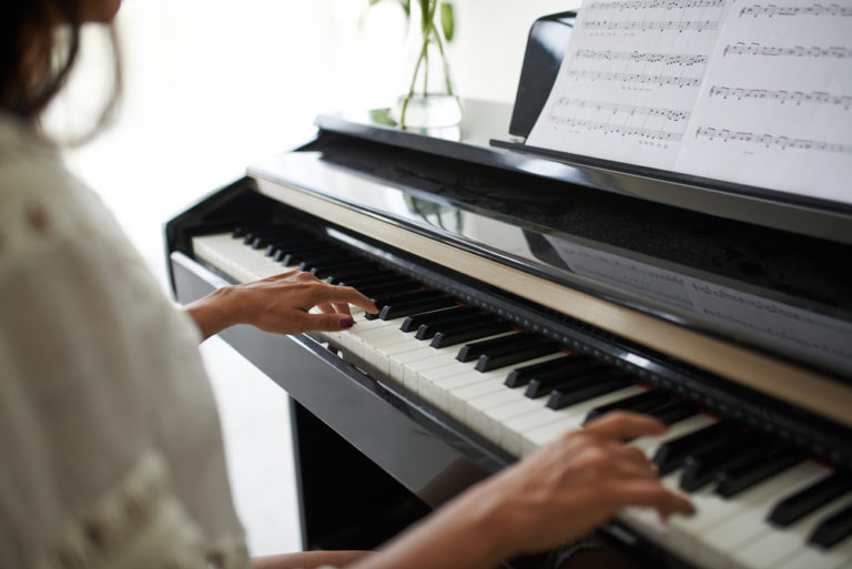 15 Tips for Learning Piano As An Adult (2021)